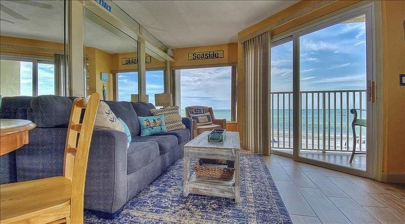 BBC312: Cheerful Beachfront Offers Delightful Views, aluguéis de temporada em Belleair Beach
