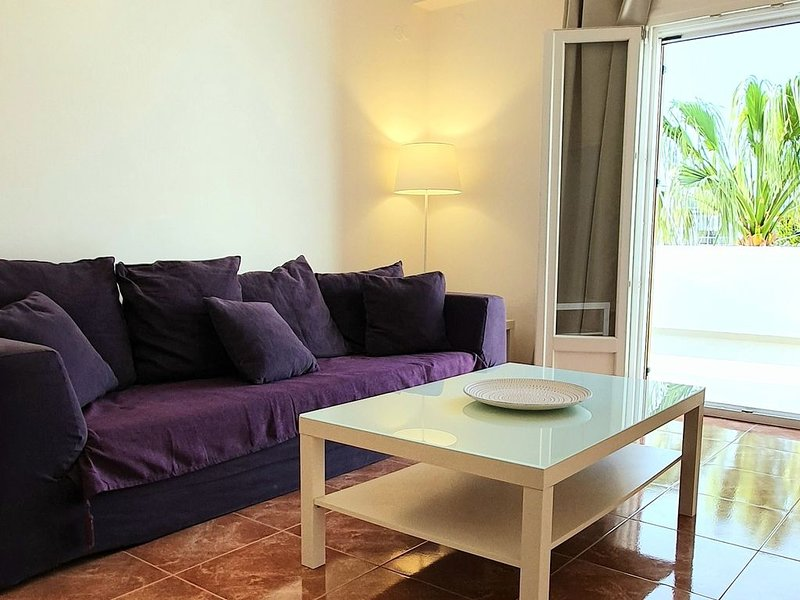 A Modern Apartment in Parikia, location de vacances à Krotiri