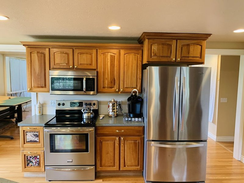 Spacious mountain Retreat, 10 minutes to town, peaceful setting., holiday rental in Chelan