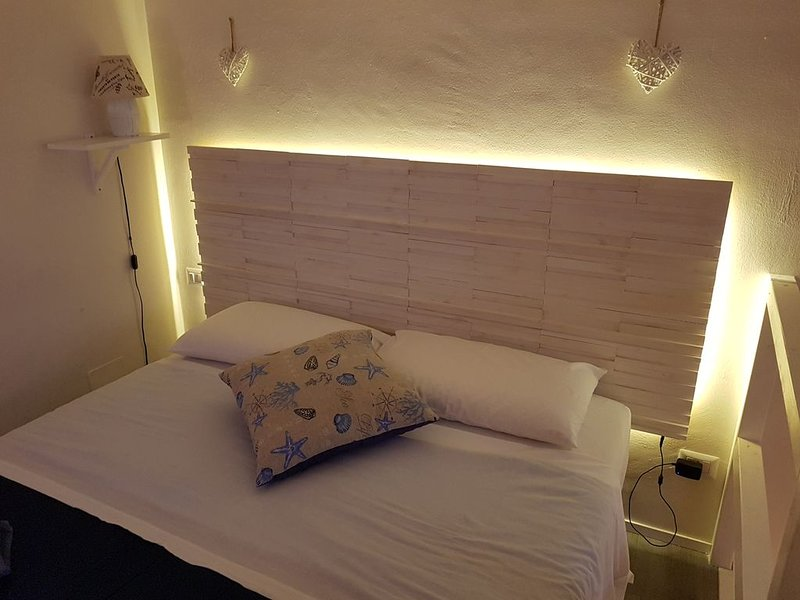 Philos - Appartements & Rooms - loft, vacation rental in Massafra