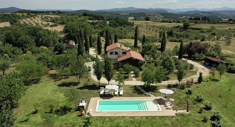 Casa di campagna per 6 persone con piscina, vacation rental in Penna in Teverina