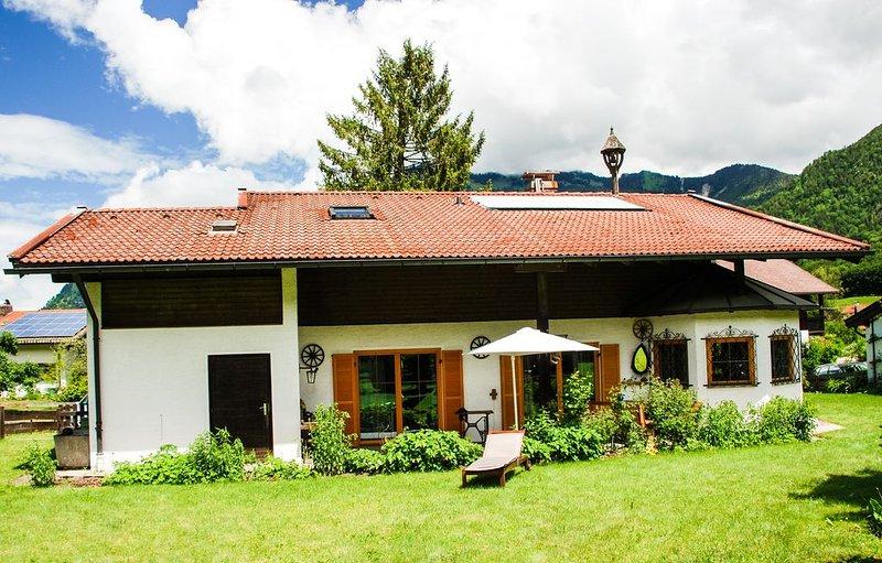 Chalet Anna - Traumhaftes Ferienhaus in den Bergen für 6 Personen, vacation rental in Ubersee