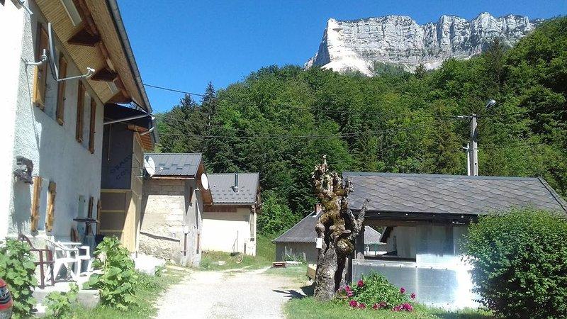 LOCATION  SAVOIE, CHARTREUSE, ENTREMONT LE VIEUX, location de vacances à Lepin-le-Lac