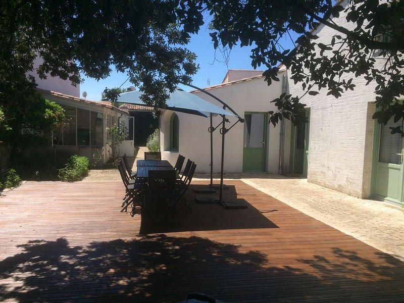 Belle maison réthaise nichée dans le village de La Noue, holiday rental in Sainte Marie de Re