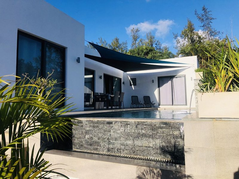 Villa Mon Voyage à 5 min à pied de la plage, casa vacanza a Petite Riviere