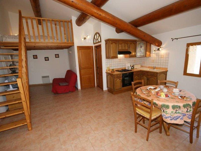 appartement 2 ème étage  vue panoramique, holiday rental in Bonnieux en Provence