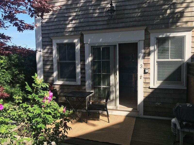 Very popular and wonderful beachside studio hideaway., Ferienwohnung in Provincetown