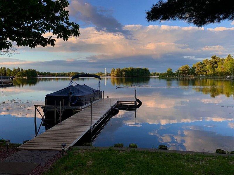 Beautiful 4 Seasons Minocqua Lake House, holiday rental in Arbor Vitae