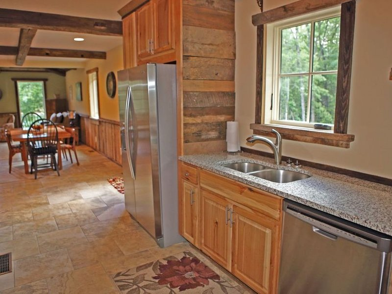 Lakefront Home on Private Cove in Desirable Upper Lake Keowee Location, vacation rental in Pickens