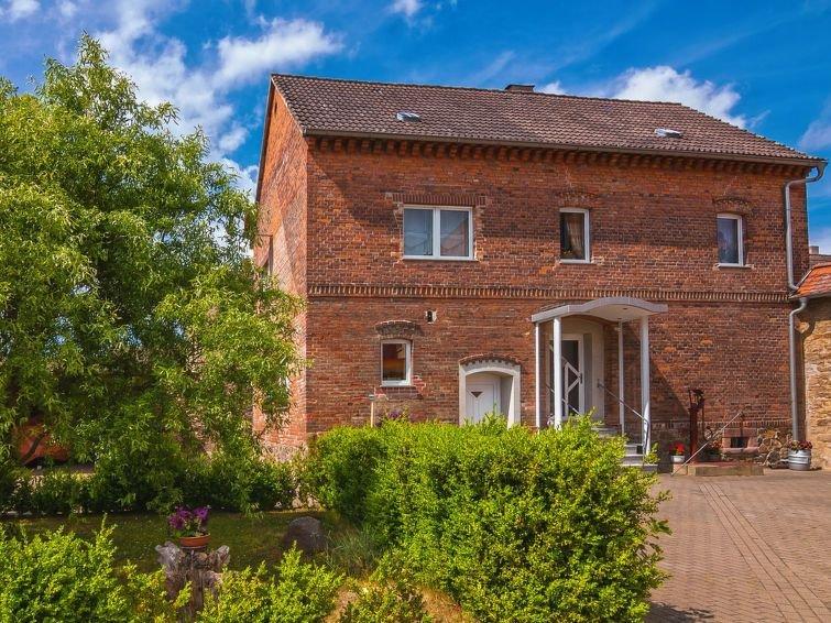 Apartment Haus an der Eine  in Stangerode, Harz / Thuringia - 2 persons, 1 bedr, aluguéis de temporada em Lutherstadt Eisleben