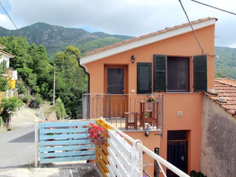 Ferienwohnung Daniele (VDE101) in Vendone - 4 Personen, 1 Schlafzimmer, vacation rental in Province of Savona