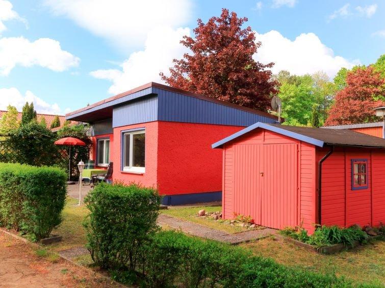 Ferienhaus Am Schwarzen See (SWZ105) in Schwarz - 3 Personen, 1 Schlafzimmer, holiday rental in Diemitz