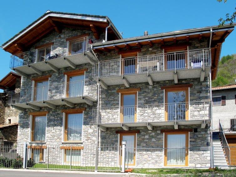 Ferienwohnung Margherita (GRV285) in Gravedona - 2 Personen, 1 Schlafzimmer, holiday rental in Gravedona ed Uniti