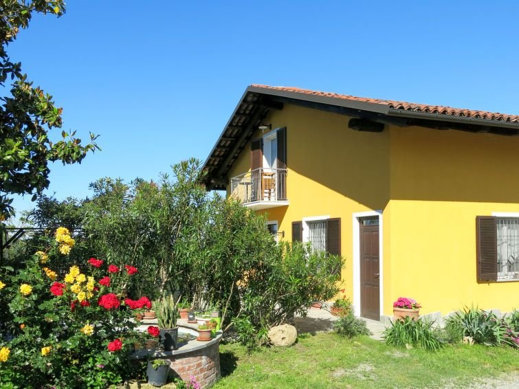 Apartment Agriturismo San Michele  in Vinchio (Asti), Piedmont - 5 persons, 2 b, holiday rental in Cortiglione