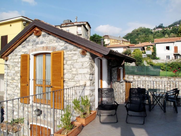 Ferienhaus Pieve (GRV102) in Gravedona - 4 Personen, 1 Schlafzimmer, holiday rental in Gravedona ed Uniti