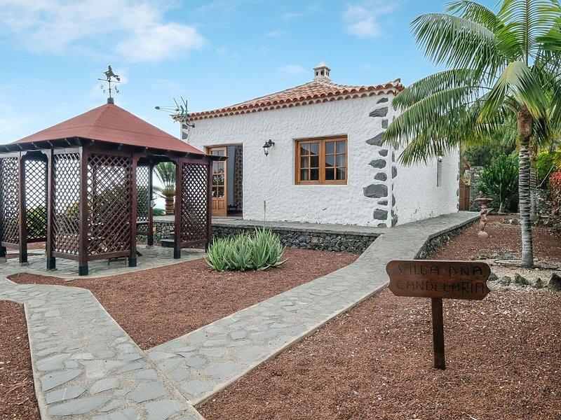 Zwei typische kanarische Häuser in der 'Finca la Sorriba' mit Bergblick, Meerbli, vacation rental in La Guancha