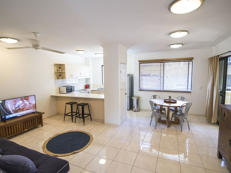 2 Bedroom / 2 Bathroom Apartment / Cairns Central, alquiler vacacional en Redlynch