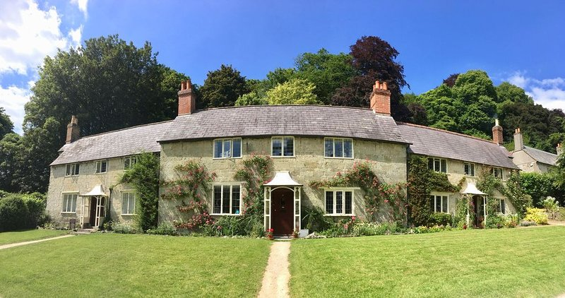 Charming Cottage in idyllic location on Stourhead Estate, vacation rental in Bruton