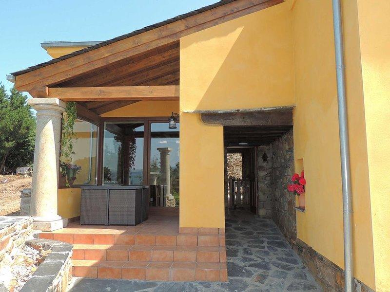 MARAVILLOSA CASA DE ALDEA, vacation rental in Grandas de Salime Municipality