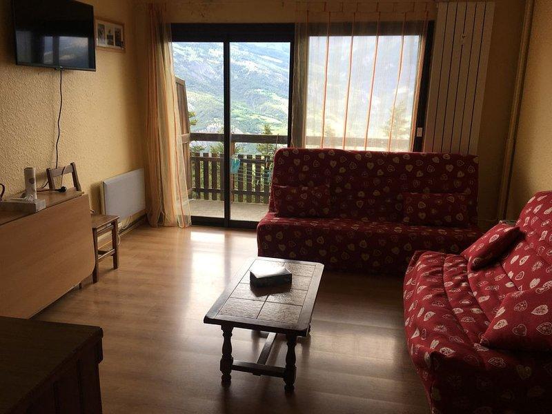 Studio avec vue magnifique, proximité des commerces et des pistes English spoken, holiday rental in Uvernet-Fours