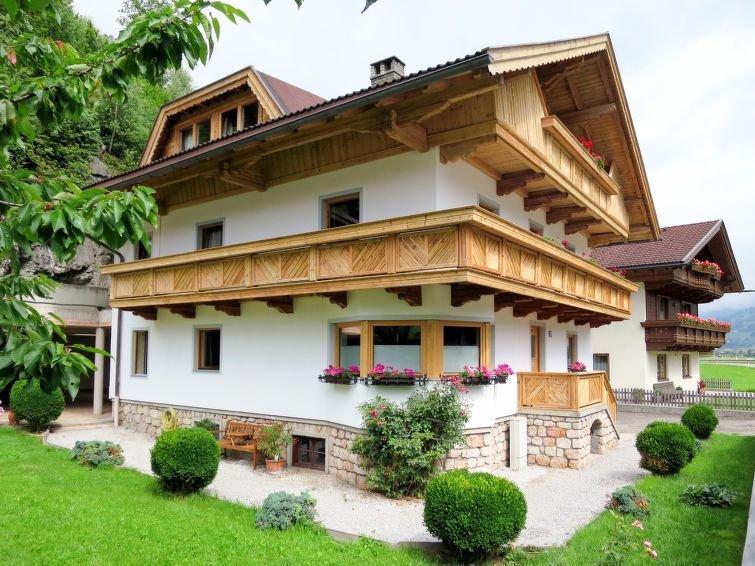 Ferienwohnung Eberharter (ZAZ690) in Zell am Ziller - 13 Personen, 5 Schlafzimme, holiday rental in Mitterdorf