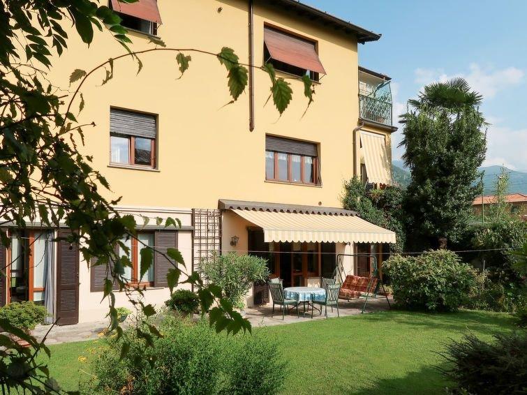 Ferienwohnung Il Giardino (DGO150) in Dongo - 4 Personen, 1 Schlafzimmer, vacation rental in Olgiasca