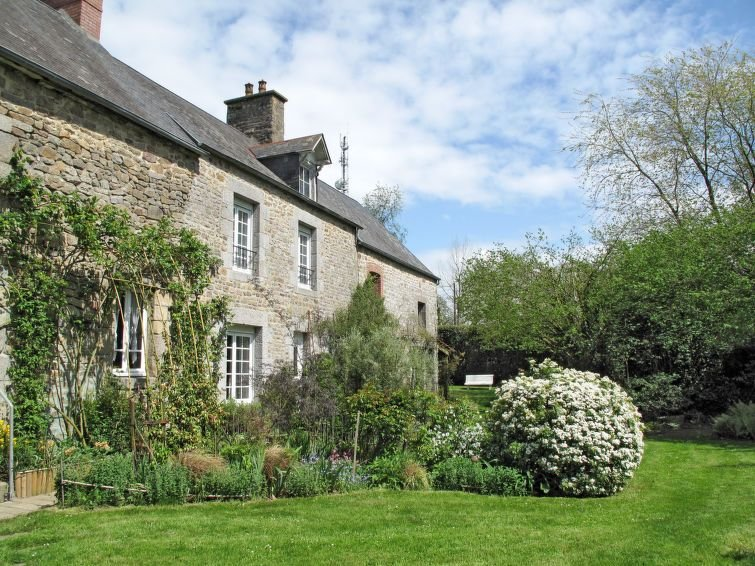 Vacation home in Sartilly, Normandy / Normandie - 4 persons, 2 bedrooms, vacation rental in La Lucerne-d'Outremer