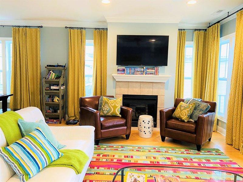 Luxurious Townhome - 1 block to beach, location de vacances à Carolina Beach