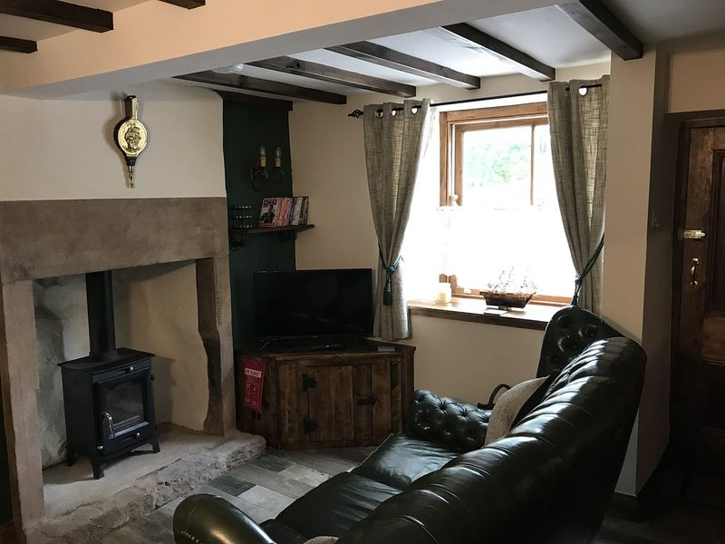 Beautiful Traditional Stone Cottage In the Amber Valley, vacation rental in Belper