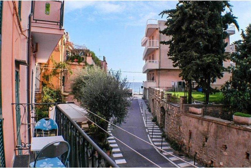 Casa Acqua Mare Parasio, vacation rental in Imperia