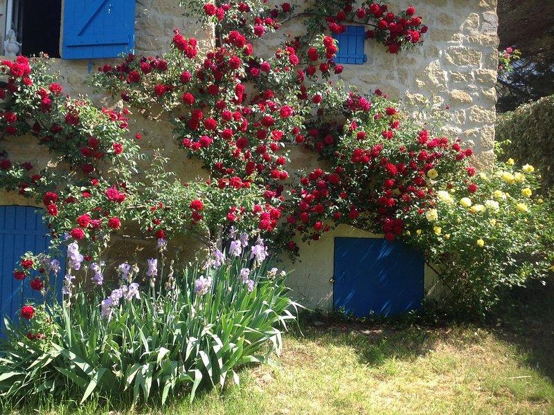Ferienhaus 'Petit Paradis' mit großem Garten und beheiztem Pool, Ferienwohnung in Lauris