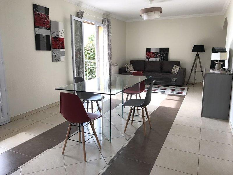 BASTIA Sud Villa Duplex climatisée 3 chambres, 2 dalle de bain proche de la mer, alquiler vacacional en Biguglia