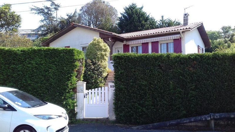 Maison individuelle au Pays Basque, holiday rental in Boucau