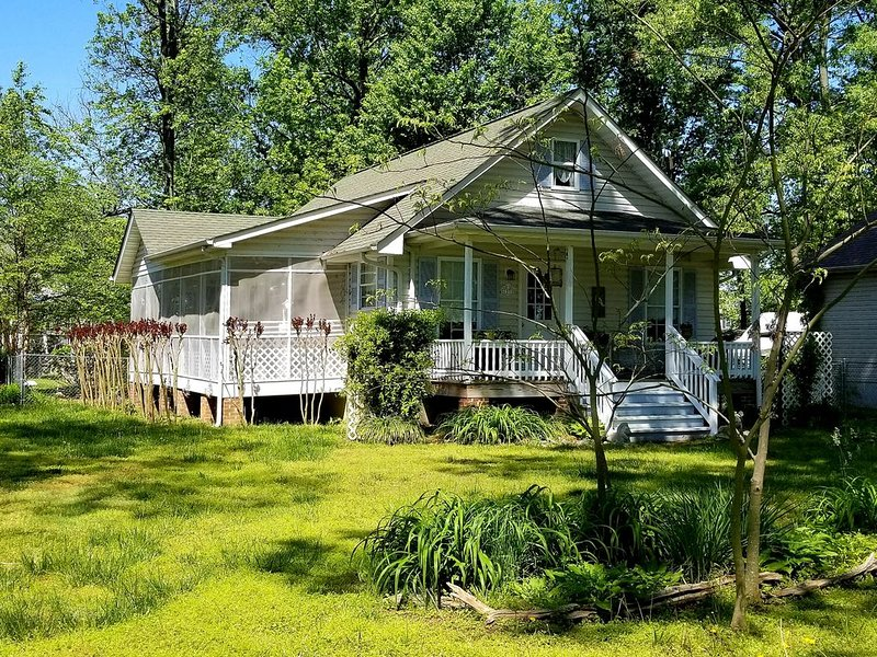 Diana's Enchanted Cottage, holiday rental in Colonial Beach