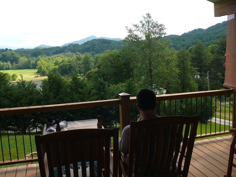Blue Mountain Cottage near Deep Creek Campground, location de vacances à Parc national des Great Smoky Mountains