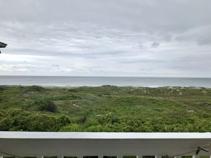 SHORELY ANCHORED: Complete 2019 Reno,  Beautiful Ocean Front Condo, holiday rental in Atlantic Beach