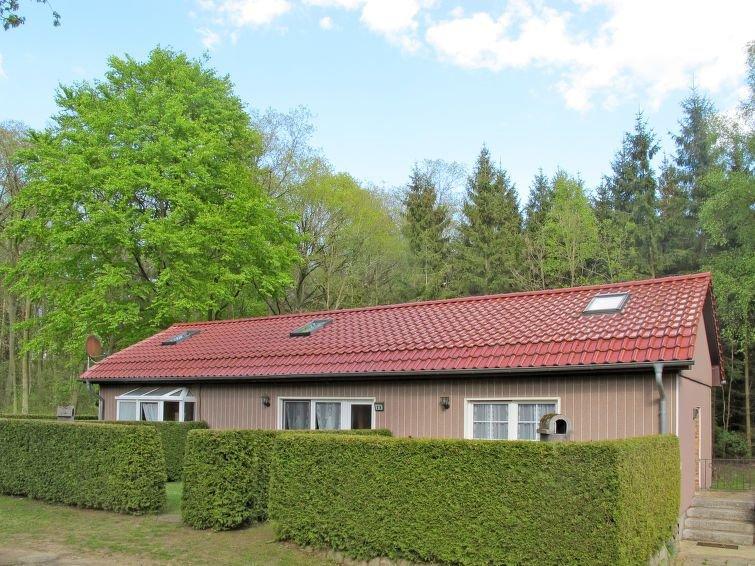Ferienhaus Waldsiedlung (SWS101) in Retgendorf - 4 Personen, 2 Schlafzimmer, holiday rental in Warin