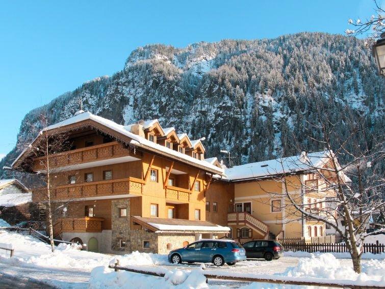 Ferienwohnung Lazzer (CPO340) in Campitello - 4 Personen, 1 Schlafzimmer, holiday rental in Campestrin