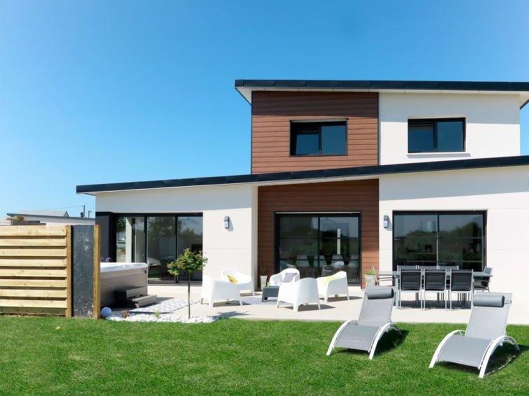 Ferienhaus Home Kerfissien (CED243) in Cléder - 8 Personen, 4 Schlafzimmer, holiday rental in Cleder