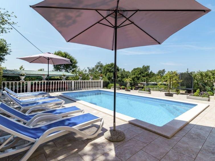 Vacation home Haus Glavica  in Sv. Lovrec, Istria - 7 persons, 3 bedrooms, aluguéis de temporada em Kruncici