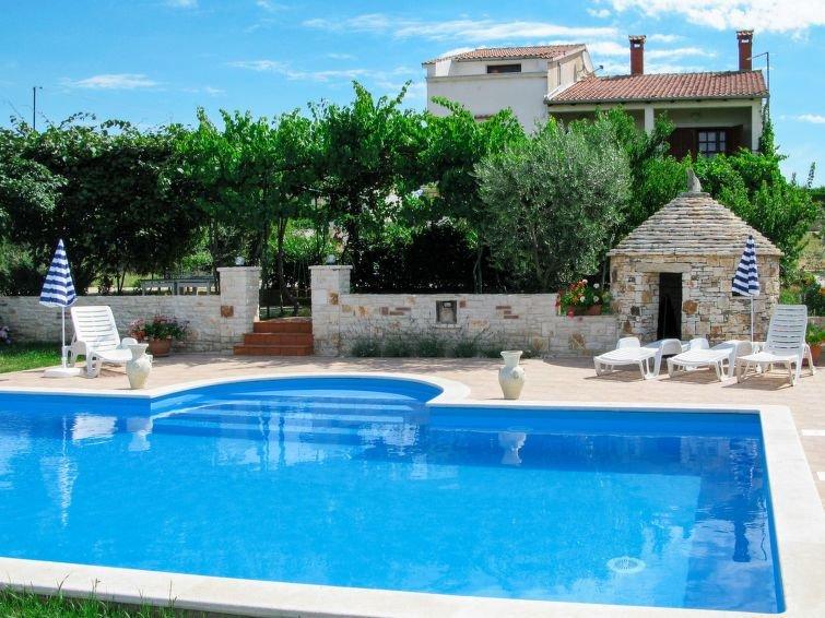 Ferienwohnung Ivan & Tina in Rovinj - 5 Personen, 2 Schlafzimmer, holiday rental in Kanfanar