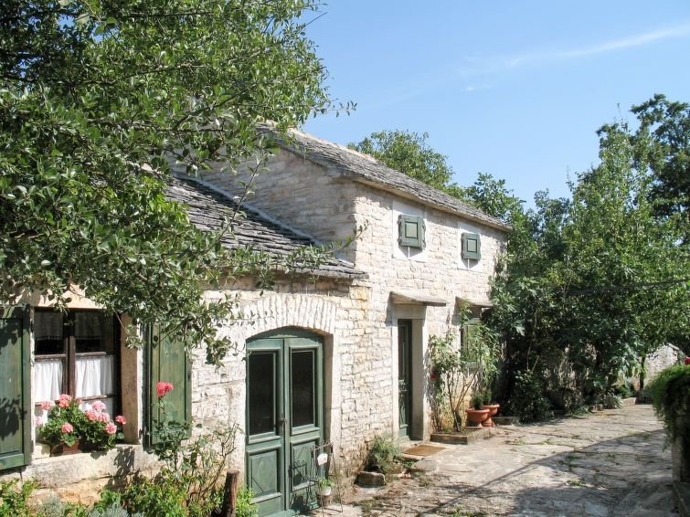 Vacation home Haus Pod Ruzon  in Pazin, Istria - 5 persons, 2 bedrooms, casa vacanza a Tinjan