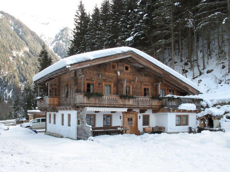 Ferienhaus Gaishütte (MHO484) in Mayrhofen - 12 Personen, 6 Schlafzimmer, vacation rental in Juns