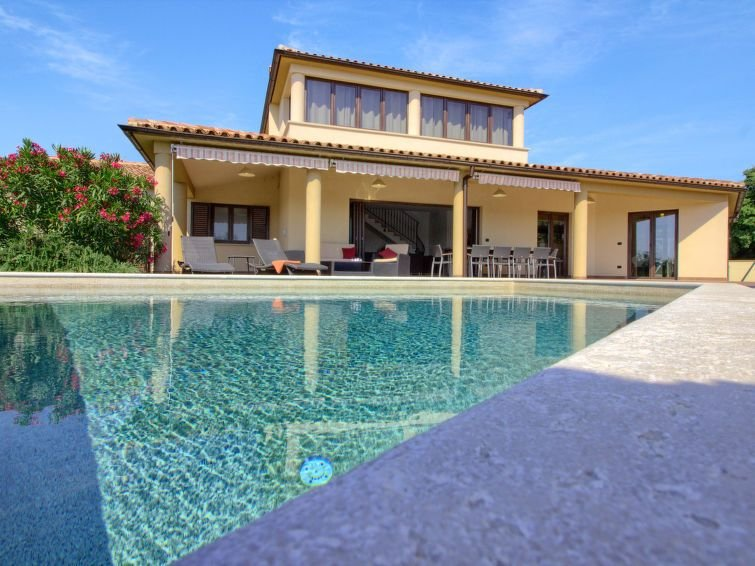 Vacation home Villa Andrea mit Pool  in Liznjan - Sisan, Istria - 10 persons, 4, holiday rental in Liznjan