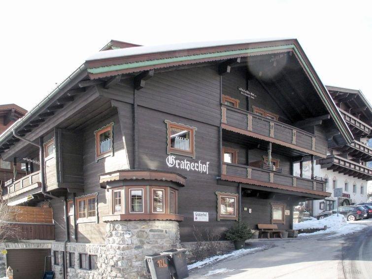 Ferienwohnung Gratzerhof (FBZ211) in Finkenberg - 4 Personen, 2 Schlafzimmer, vacation rental in Finkenberg