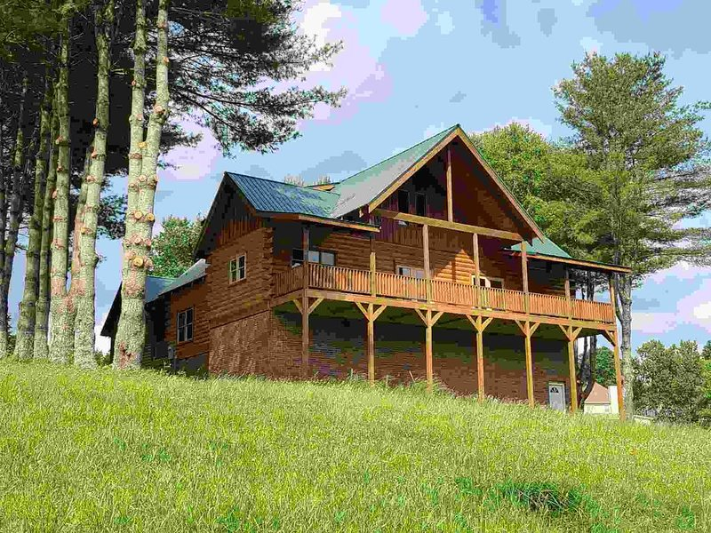 Big Sky Pines Log Cabin Get Away, vacation rental in Blairsville