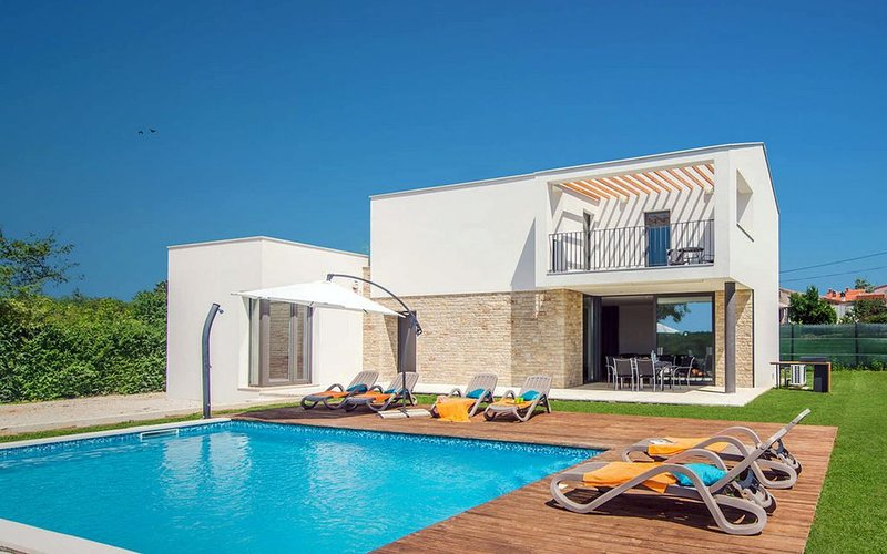 Beautiful contemporary villa, perfect for a family vacation., vacation rental in Orihi