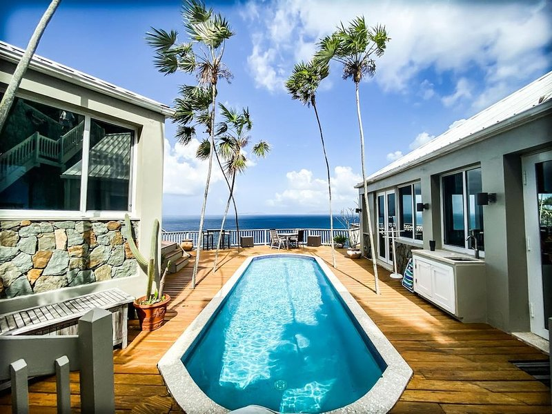 Prestigious Mahogany Run...The Cliff House the most amazing views and sunsets!, Ferienwohnung in North Side