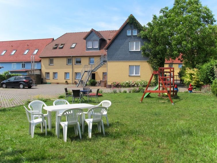 Apartment Old Hüsung  in Mirow, Mecklenburg Lakes - 5 persons, 3 bedrooms, holiday rental in Strasen