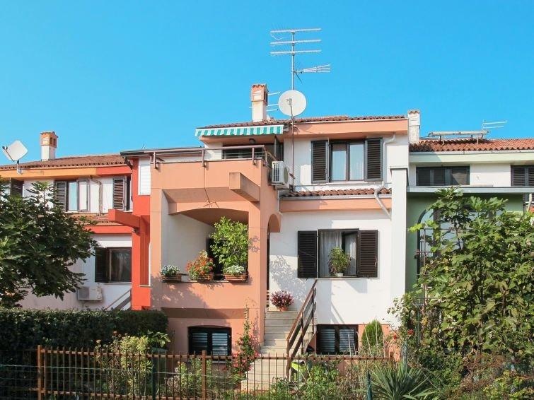 Ferienwohnung Dario (UMA155) in Umag - 4 Personen, 2 Schlafzimmer, holiday rental in Murine